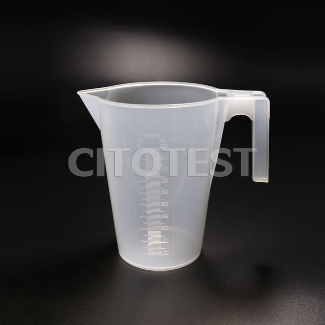 Beaker with Handle and Spout, Molded Graduation, PP Material